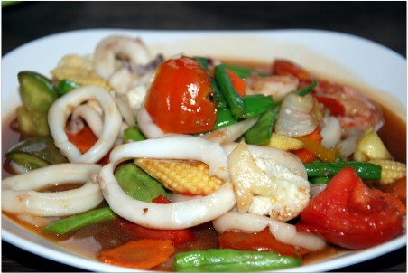 Seafood with vegetables and rice